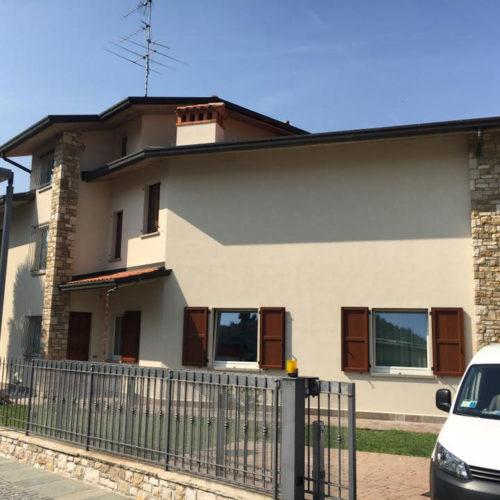 Ristrutturazione facciate, finiture per esterni | Villa di Serio (Bergamo) | Tinteggiature Gritti Mattia